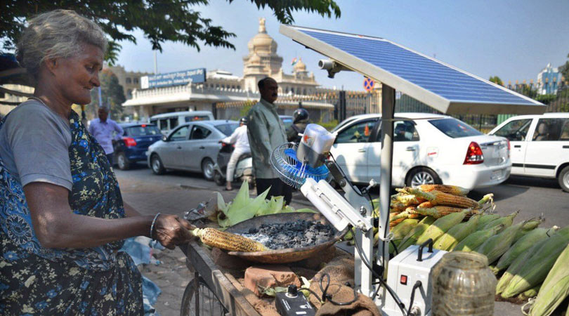 75-year old Bangalore woman uses Solar Energy to Grill Corns: Social Media virality for some GOOD too !